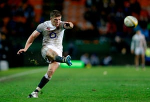 Owen Farrell kicked 20 points in Cape Town to end England's losing run.