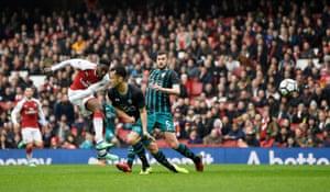 Welbeck scores Arsenal's second.