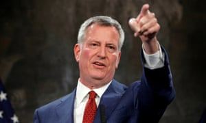 New York's mayor, Bill de Blasio, has struggled with political stagecraft.