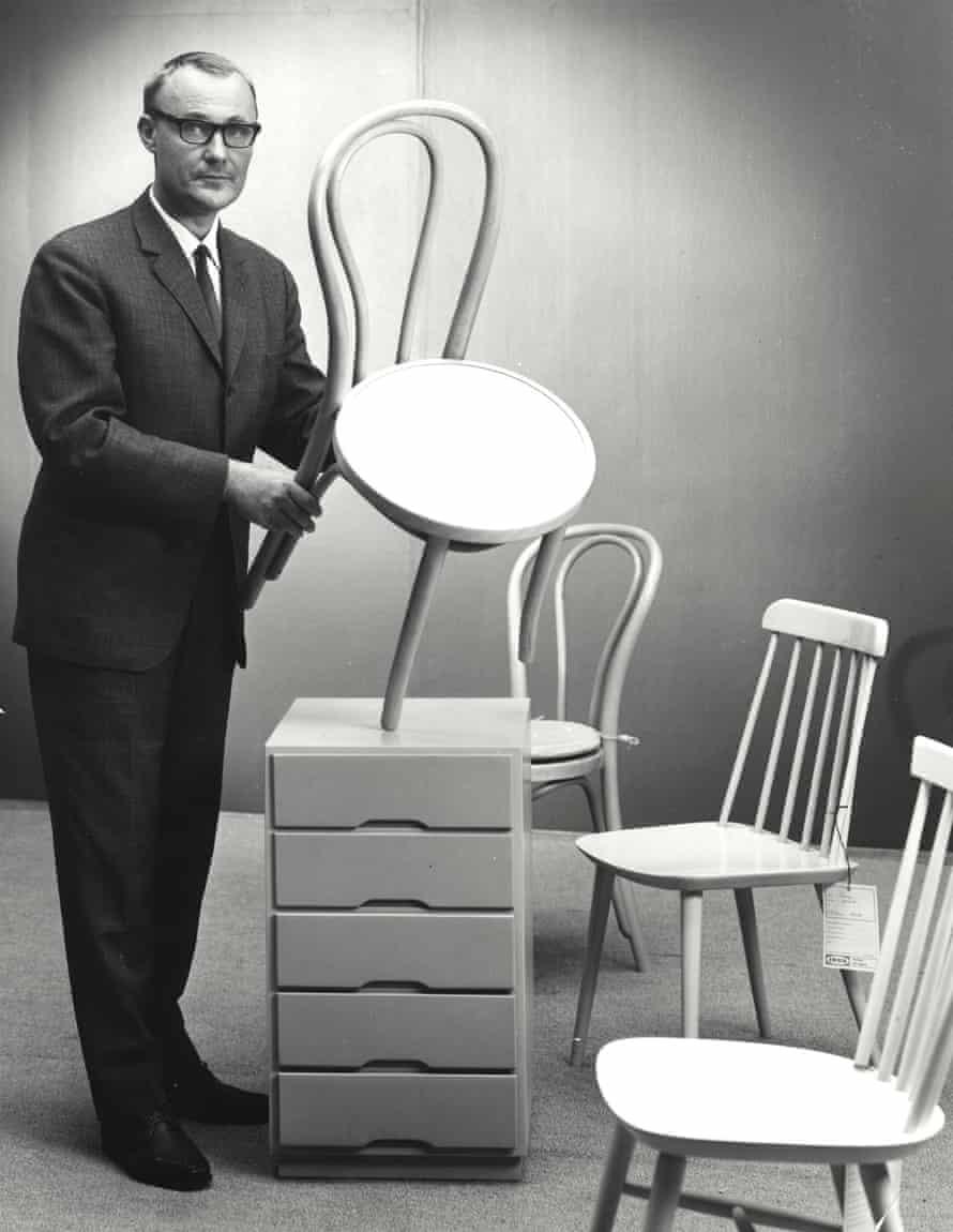 Ingvar Kamprad with Ögla chair, Sampo chair, Idun chair, Tore drawer unit.