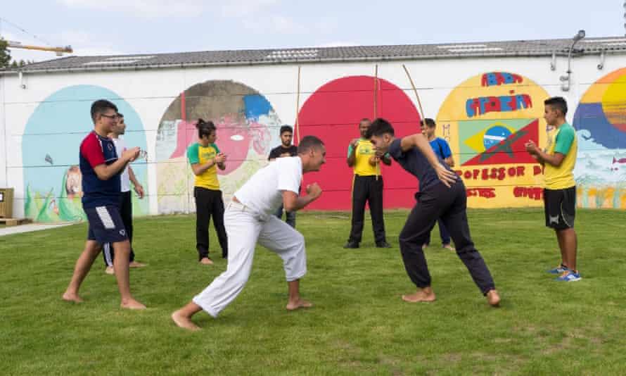 Practising capoeira at Allée du Kaai.