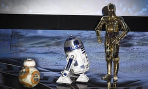BB-8, R2-D2 and C-3PO invade the stage at the Oscars.