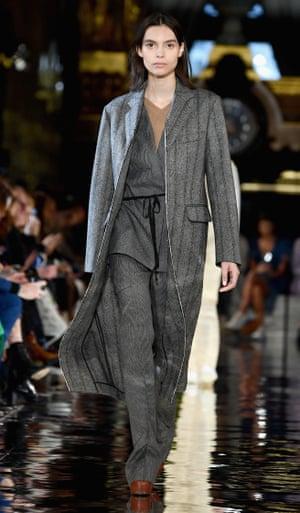 Stella McCartney – grey suit under grey coat.
