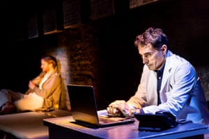 Rufus Sewell as Larry in Closer by Patrick Marber