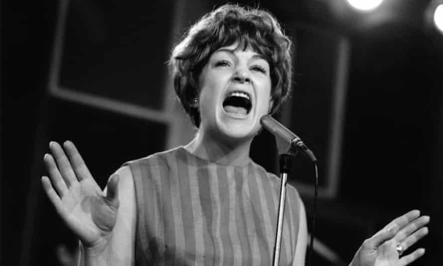 Annie Ross on stage around 1963.