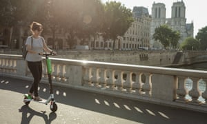 scoot alors will paris fall in love with the electric scooter world news the guardian. Black Bedroom Furniture Sets. Home Design Ideas