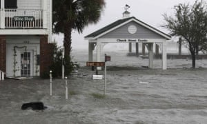 High winds and water batter Swansboro, North Carolina as Hurricane Florence hits.