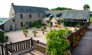 Hôtel Manoir de Rigourdaine, Brittany, view of courtyrad and outside of house