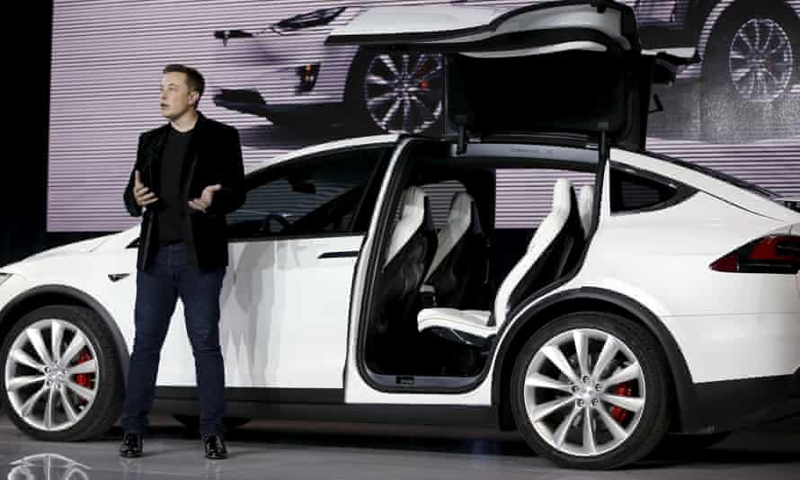 Elon Musk has said the electric car maker has no plans to disable its autopilot feature in the wake of a fatal accident in which the driver of a Model S car was using the technology.