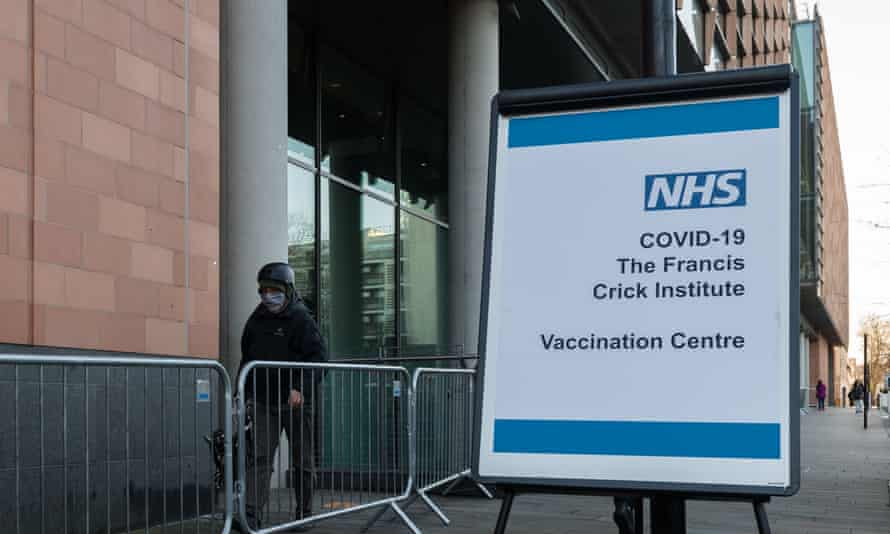 Covid-19 mass vaccination at the Francis Crick Institute, London