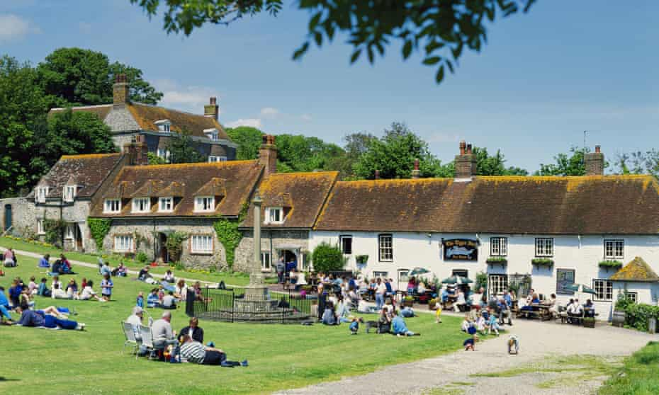 East Dean Village Green and Tiger Inn East Sussex