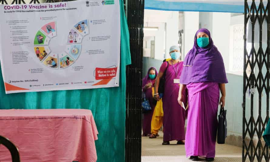 Healthcare workers are waiting to be vaccinated at Madhyamgram Hospital in Kolkata