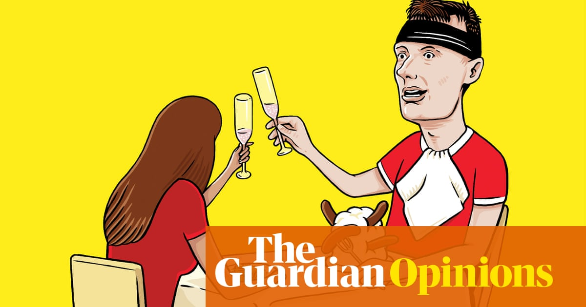 The ballad of Phil Jones, decorated elite-level player and pilloried laughing stock