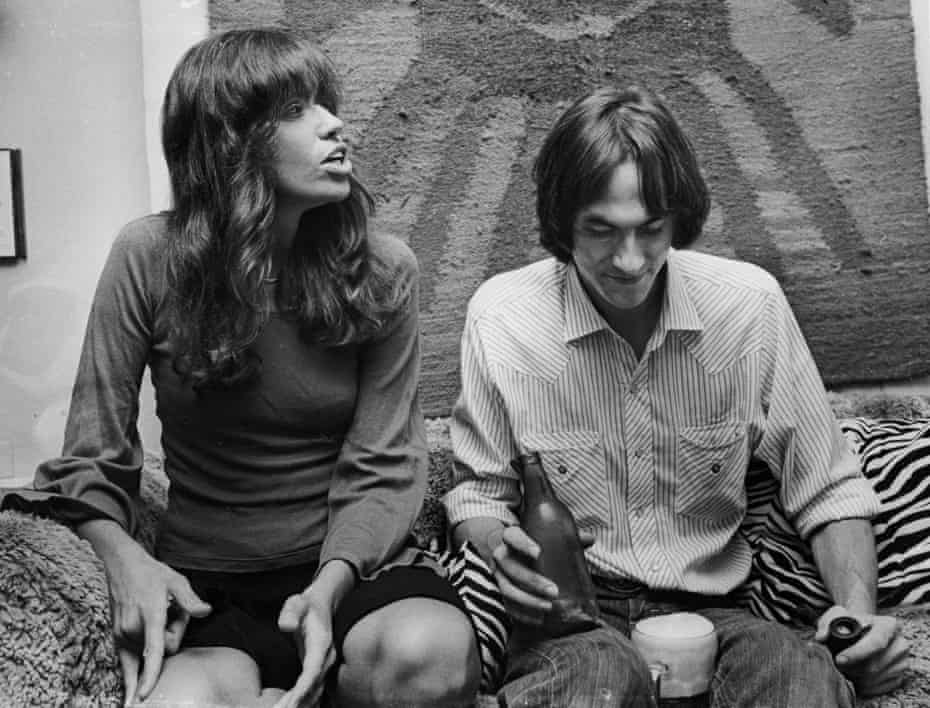 Carly Simon and Taylor at home in New York in 1972.