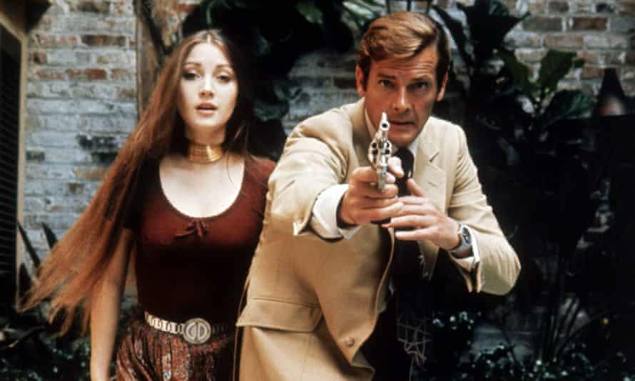 Jane Seymour and Roger Moore in Live And Let Die.