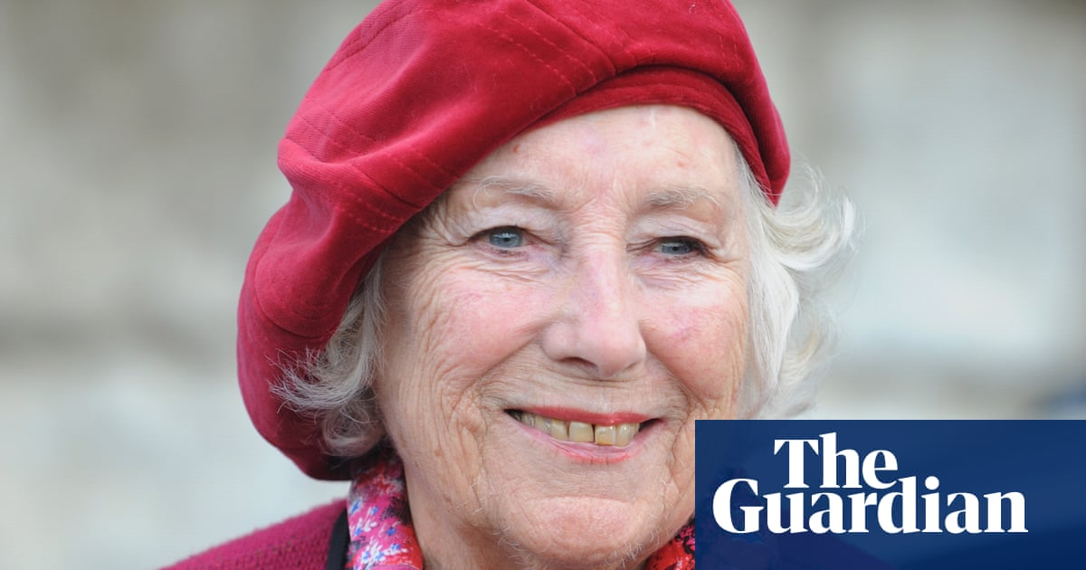 Sculpture of Dame Vera Lynn planned for cliffs of Dover