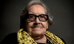 Neus Català in 2016 at the age of 100 in Els Guiamets, Spain. At the end of the Spanish civil war in 1939, she accompanied 180 orphans over the Pyrenees to France.
