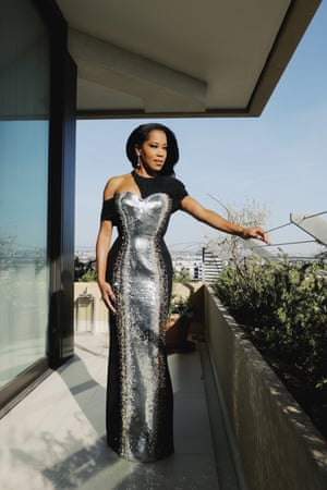 Regina King, who was nominated in the best director category for her film One Night in Miami – marking only the second time a Black woman has been up for the award – sparkled in a blinding Louis Vuitton frock made up of 20,000 silver sequins (12,000 golden sequins and 8,000 black sequins).