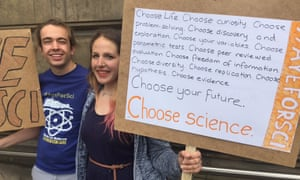 Oliver Entwisle and         Izzy Jones at the Edinburgh march for science.