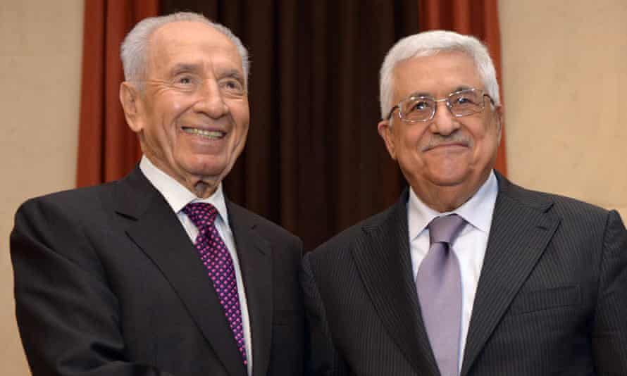 Shimon Peres and Mahmoud Abbas in 2013