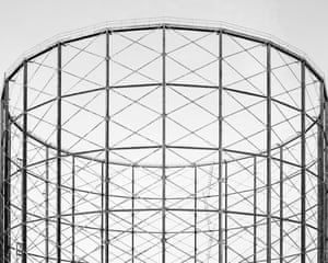 A gas holder tower in Old Kent Road, London by photographer Martin Chivers.