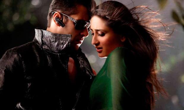 Salman Khan with Kareena Kapoor in the 2011 film Bodyguard.