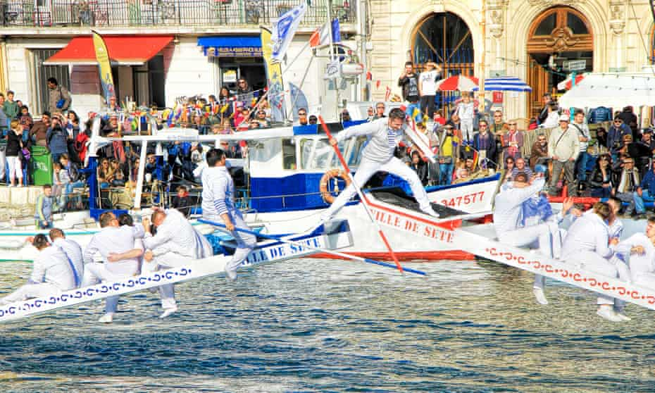 Traditional water jousting on the canal at Sète.