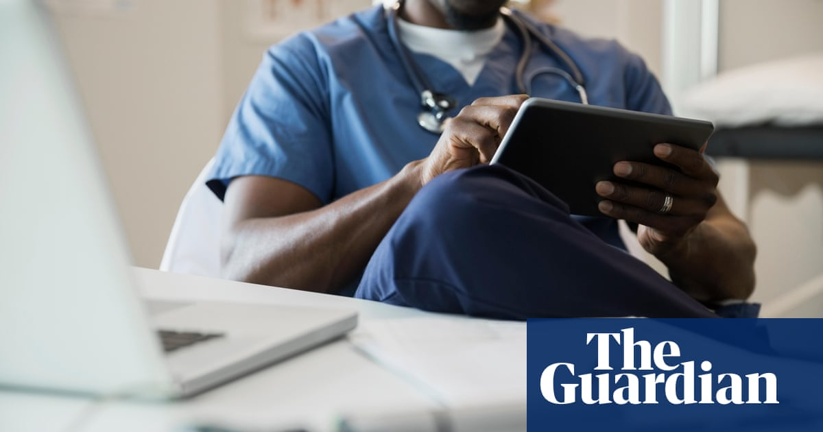 Black surgeons 'promoted far less than white colleagues in England'
