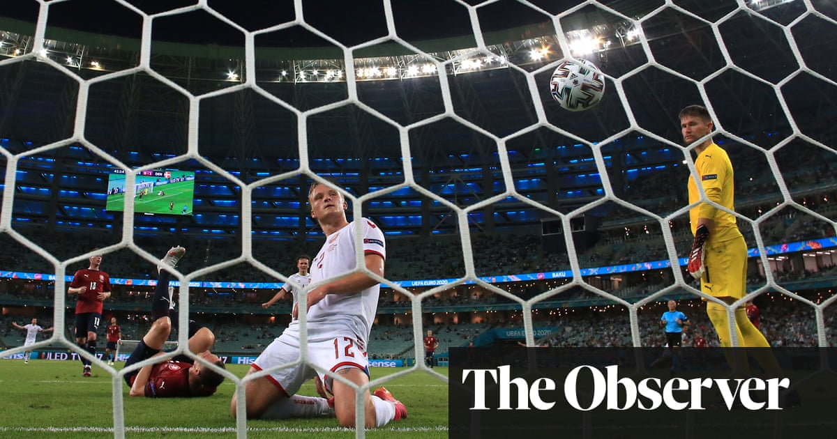 Dolberg and Delaney send Denmark past Czechs and into semi-finals