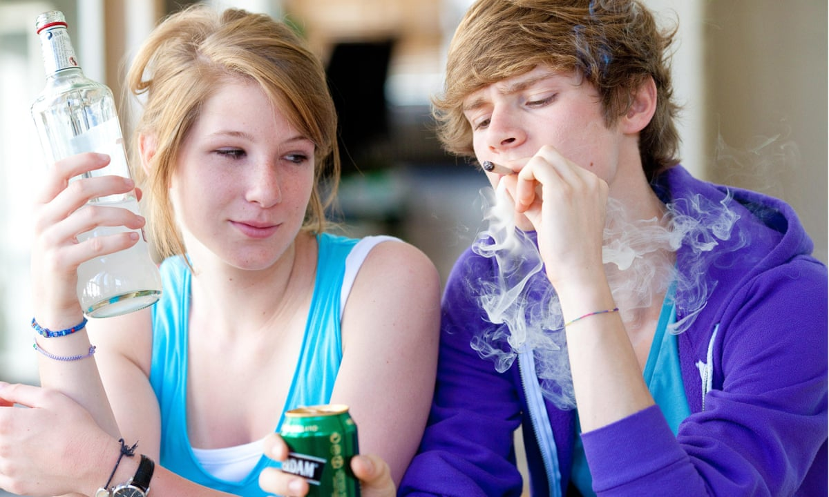 the issues of teen drinking Teen drug abuse statistics teen drinking engaging in drug or alcohol use can cause an abundance of issues for teens, from physical ailments to social isolation.