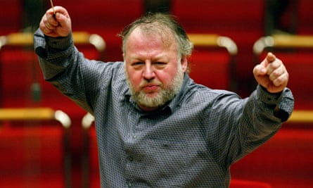 Heinrich Schiff conducting. He believed that musicians should be 'fitter than required' and 'have more skill than needed'.