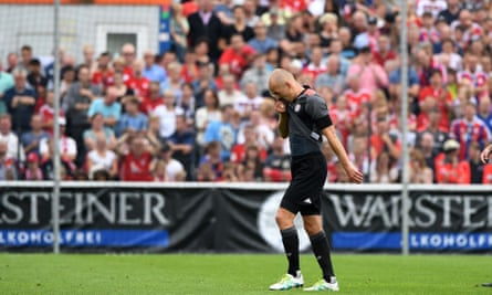 Arjen Robben trudges off the pitch 35 minutes into Bayern Munich's first pre-season friendly and is likely to miss his side's Bundesliga opener against Werder Bremen and the Germnan Supercup.