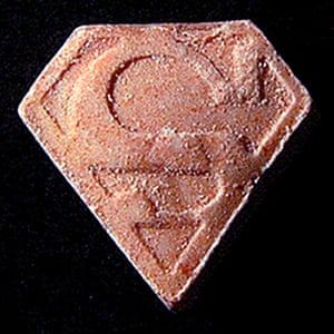 An ecstasy pill with a Superman-style logo.