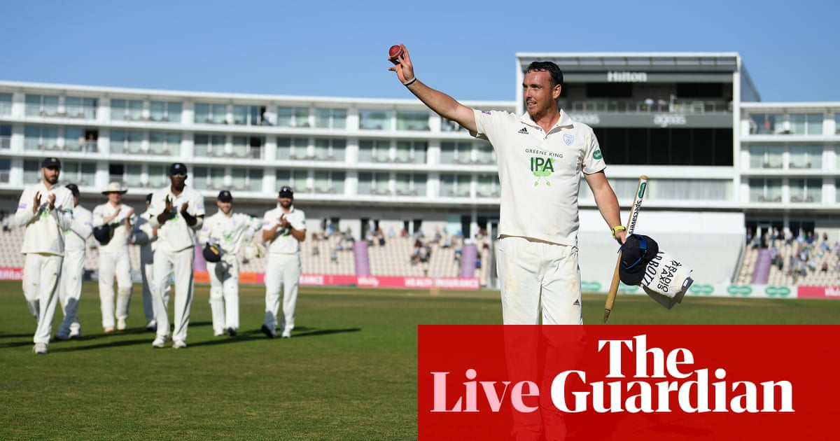 County cricket: Hampshire beat Somerset, Essex v Surrey – live!
