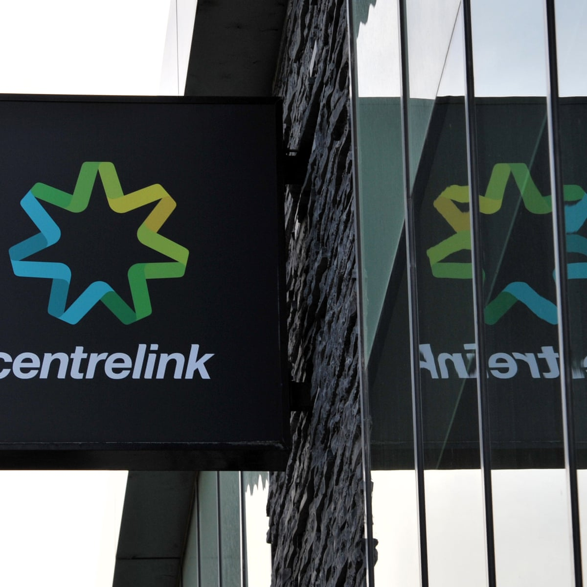 Welfare Recipients Forced To Correct Income To Centrelink 15m Times In One Year Centrelink Debt Recovery The Guardian