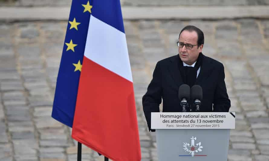 Hollande speaks at the ceremony.