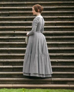 Mia Wasikowska como Jane Eyre en la versión cinematográfica de 2011.