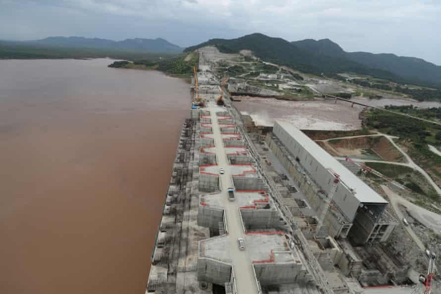 Etiyopya'nın Benishangul-Gumuz'un Etiyopya bölgesinde Guba woreda'daki Büyük Rönesans barajının yapım işi