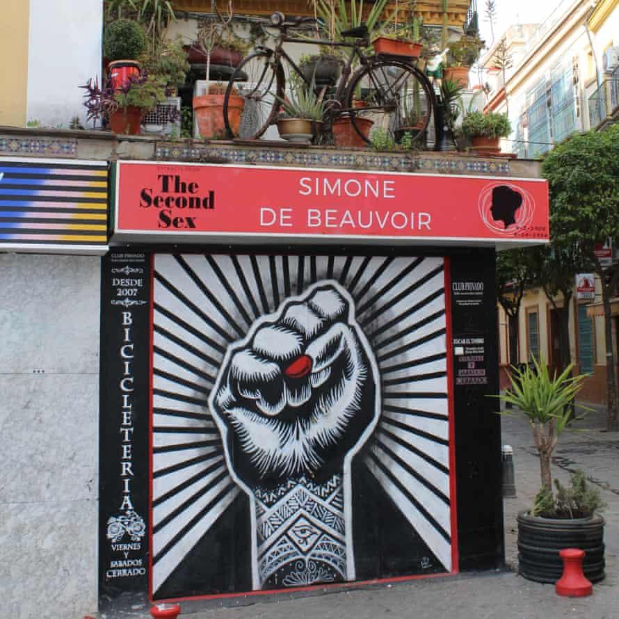 The exterior of bar Bicicletería.