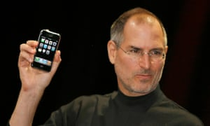 "Steve Jobs unveils the iPhone in 2007 ... 'Steve said ""put the tablet on hold, let's build a phone"".'"