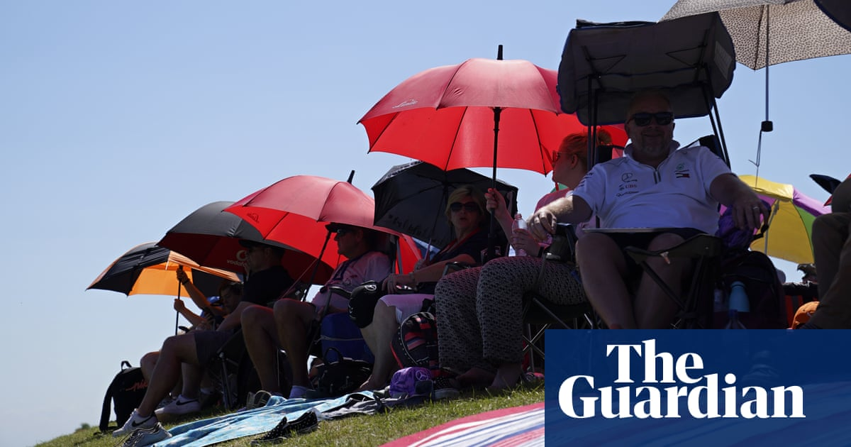 Children treated for sunburn as UK bakes on year's hottest weekend