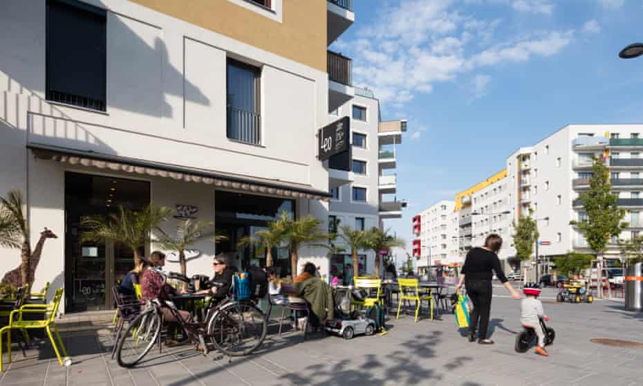 Aspern Seestadt has an explicitly family-oriented design, with a specific emphasis on taking women's needs into account in its planning.
