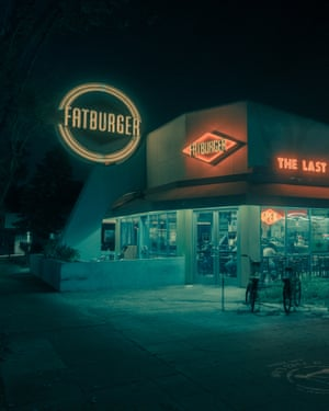 Fat Burger  in Los Angeles by photographer Franck Bohbot.