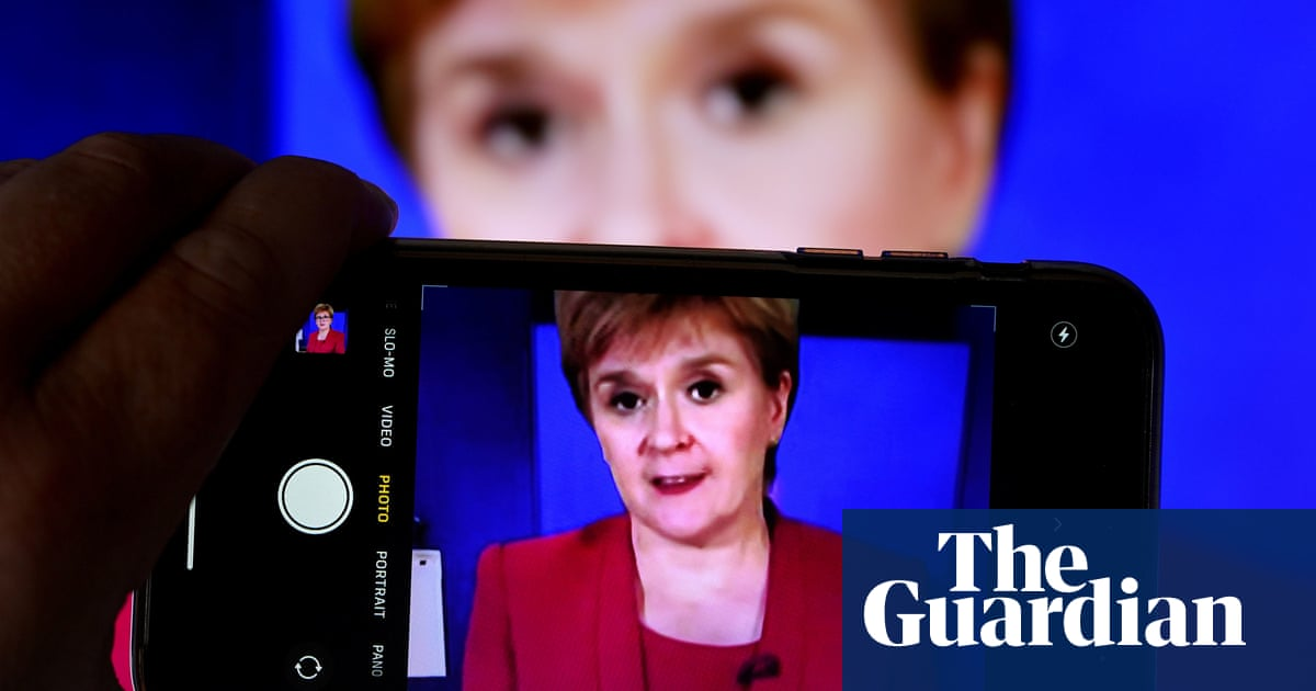 Sturgeon expects Covid jab to be recommended for 16- and 17-year-olds