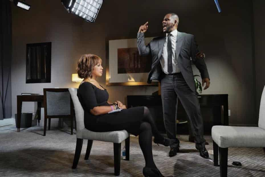 CBS co-host Gayle King with R Kelly.