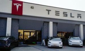 A Tesla showroom in Los Angeles California.