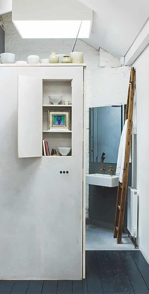 Open-plan shower.