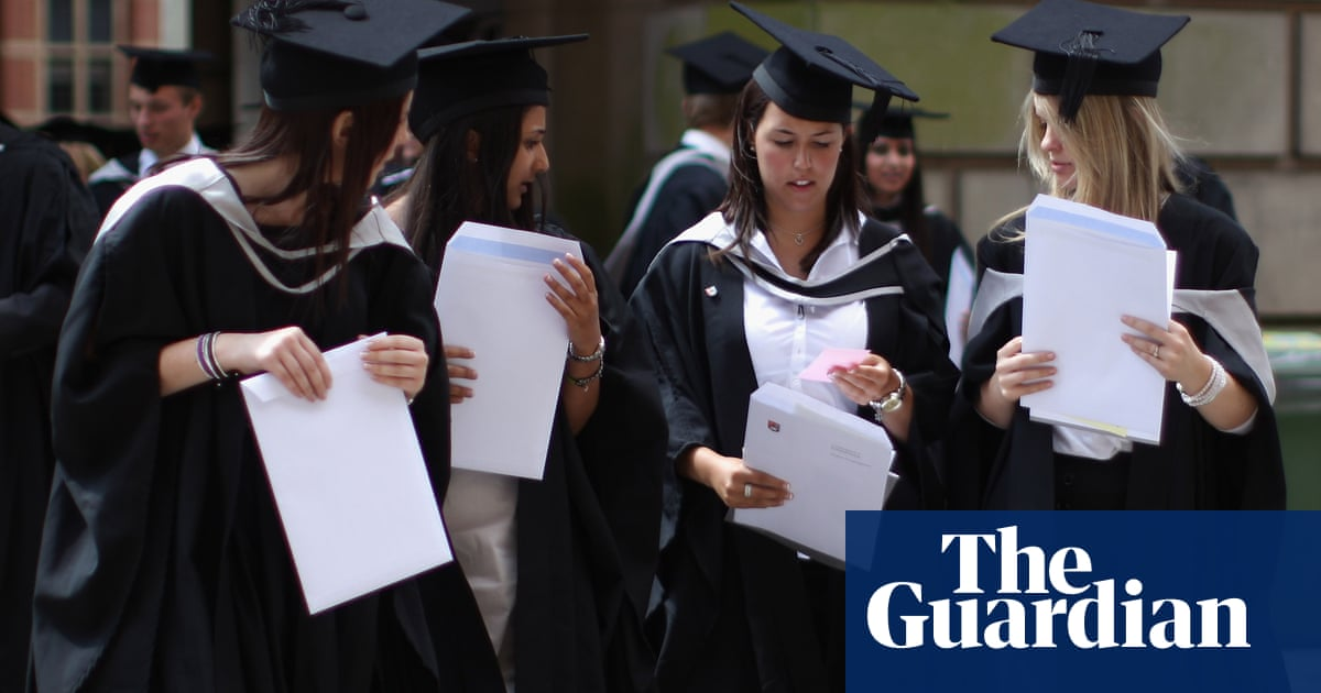 Quarter of England and N Ireland graduates in school-leaver jobs