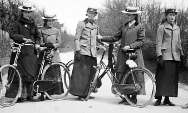 Cyclists in the early 1900s.