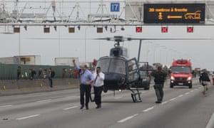 Wilson Witzel comemora na ponte Rio-Niterói na terça-feira